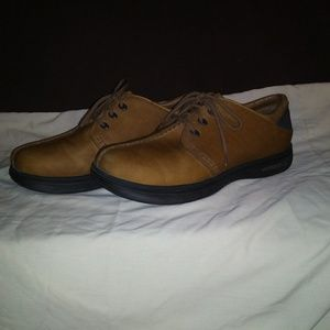 Men's Merrell Brown Shoes. Size 9.